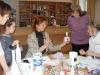 24 грудня 2017 року в центральній міській бібліотеці пройшов майстер-клас з виготовлення новорічного сувеніру в техніці декупаж.