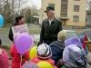 Артемівська міська бібліотека для дітей з нагоди Міжнародного дня дитячої книги провела в 2.04.2015 року незвичний флеш-моб «Кулька за віршик».